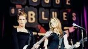 Slash uczy Lindsay Lohan grać na gitarze