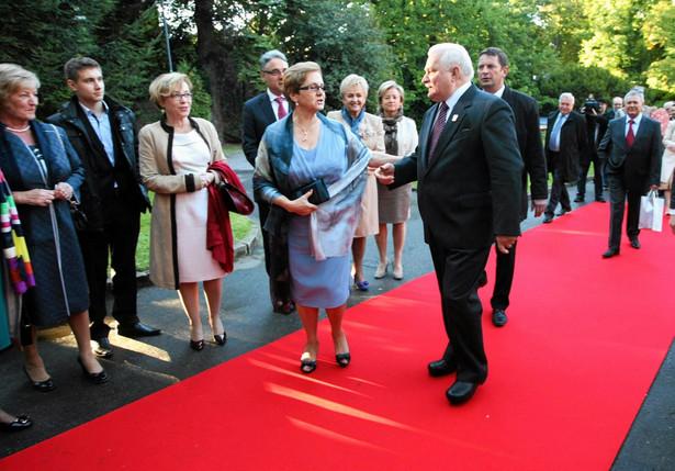 W sobotę Lech Wałęsa obchodził swoje 70. urodziny. Na urodzinowym przyjęciu w Gdańsku bawiło się 800 gości.