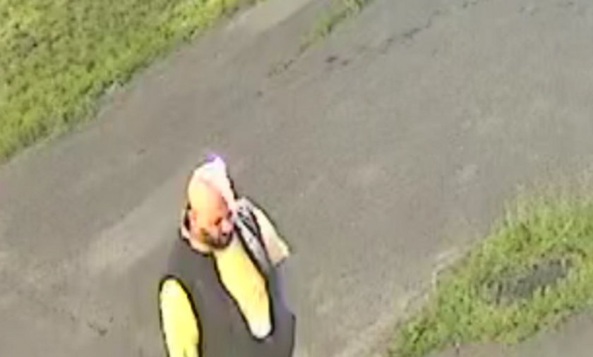 Policja szuka mężczyzny, który może mieć związek z kradzieżą pieniędzy 90-letniemu powstańcowi.