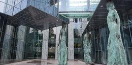 Sąd Najwyższy ewakuowany po alarmie bombowym! Wyrok ws. frankowiczów przesunięty. Kiedy decyzja?