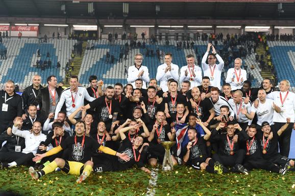 Fudbaleri Partizana proslavljaju osvajanje Kupa Srbije