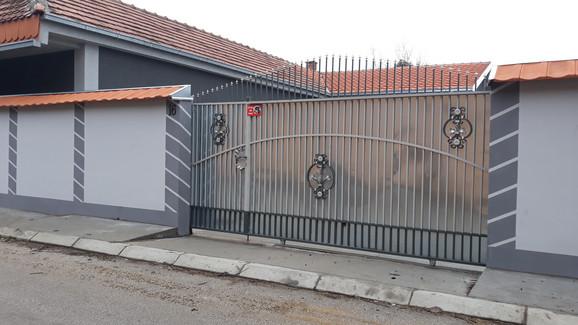 Kuća u Nišu u kojoj žive Miljana i Marija Kulić