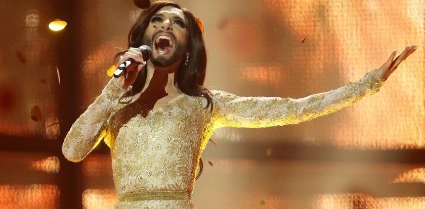 """Conchita Wurst zasłynęła na Eurowizji jako """"kobieta z brodą"""". Dziś jest nie do poznania!"""