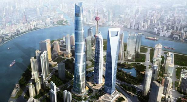 """To chiński wieżowiec usytuowany w dzielnicy Pudong. Jego wysokość wynosi 632 metrów, na które składa się 128 pięter. Inwestorem oraz wykonawcą budowli jest Shanghai Tower Construction & Development, a jej projekt to dzieło firmy Gensler. Stanowi trzeci ważny """"drapacz chmur"""" Szanghaju obok Jim Mao i SWFC. Reprezentuje jednak znacznie bardziej nowoczesny typ budownictwa, wyrażający się nie tylko w wyższym wzbiciu ponad linię horyzontu, ale także zagięciem fasady wieży czy kształcie, który przypomina spiralę; źródło zdjęcia: Gensler"""