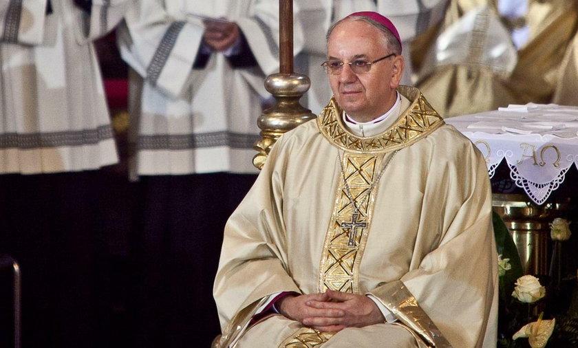 Koronawirus w Polsce: biskup apeluje do księży o wsparcie szpitali