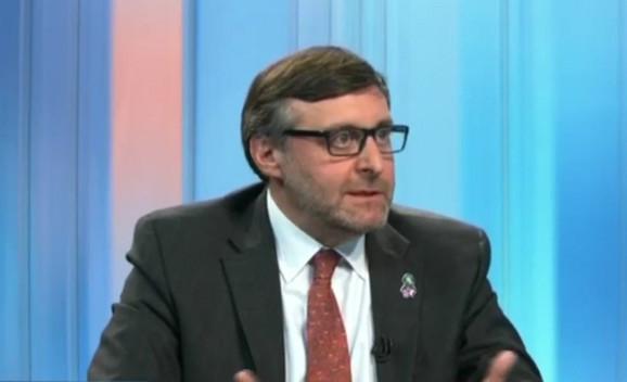 Palmer: ukidanje taksi na robu iz Srbije put je ka dijalogu.