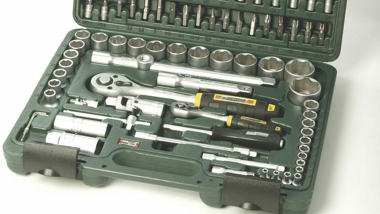 Zestawy narzędzi dla majsterkowiczów