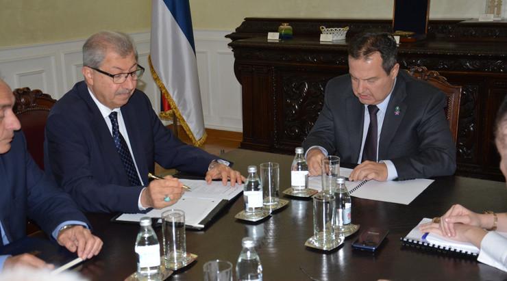 Ivica Dačić i izraelski ambasador Fakri Hasan Mahdia Al Isu TANJUG - MINISTARSTVO SPOLJNIH POSLOVA SRBIJE - OGNJEN STEVANOVIC