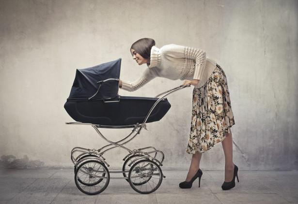 Sejm przyjął w III czytaniu ustawy o pomocy państwa w wychowaniu dzieci (program Rodzina 500+).