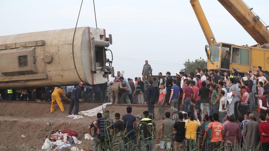 Egipt. W wypadku pociągu zginęło 11 osób, a blisko sto zostało rannych
