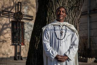 'Sam byłem niewolnikiem, a teraz próbuję przywrócić do życia innych.' Rozmowa Mazurka z misjonarzem