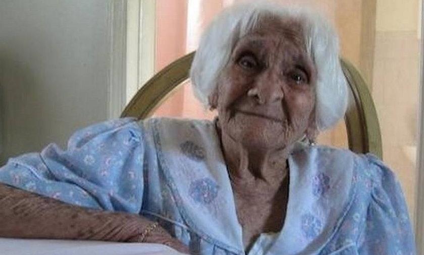 Zmarła w wieku 115 lat. Codziennie wypijała kieliszek Brandy.