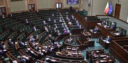 Gorąco w Sejmie. PiS przegrało dwa głosowania