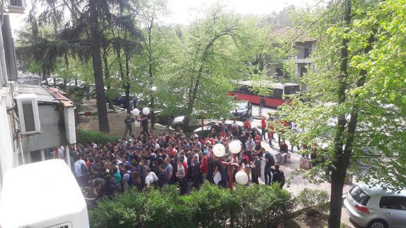 Red ispred zgrade Sportskog društva Crvena zvezda