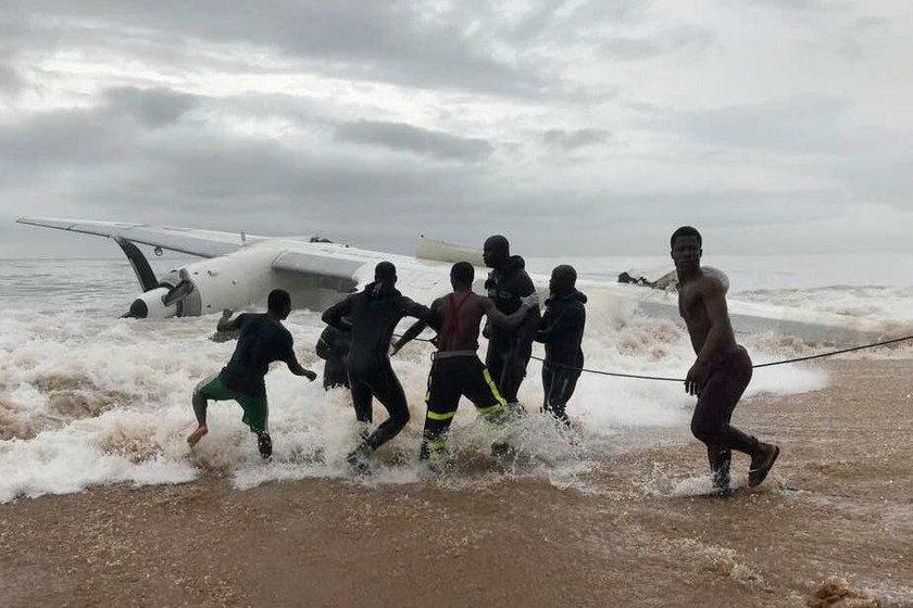Katastrofa u Wybrzeża Kości Słoniowej. Samolot An-26 runął do morza tuż po starcie