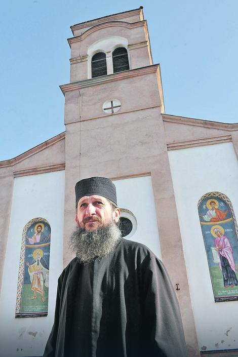Sveštenik Miroslav Neđić