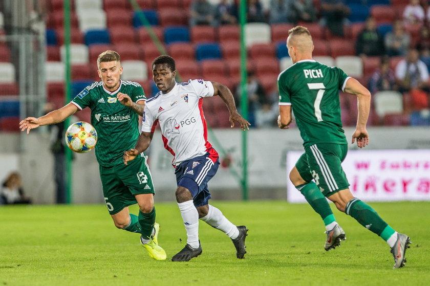Strzelony dokładnie miesiąc temu fantastyczny gol Mateusza Cholewiaka na 2:1 w meczu z Cracovią wciąż pozostaje wspomnieniem ostatniego zwycięstwa