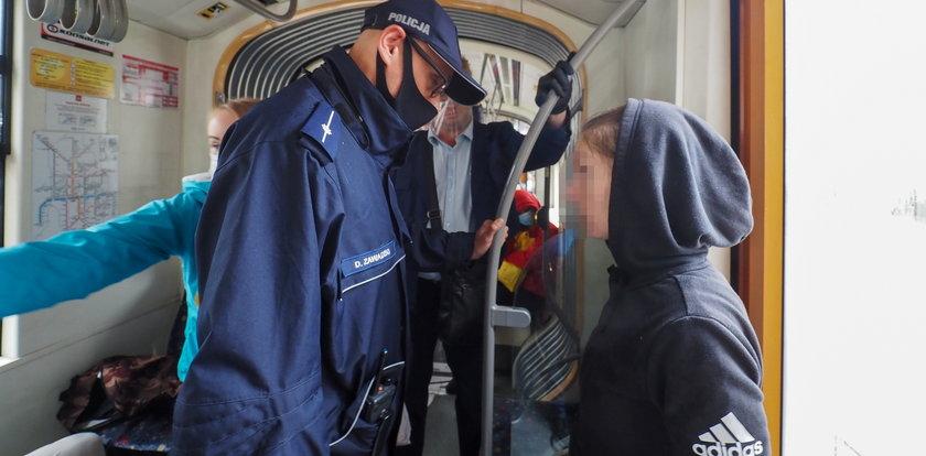 Policja karze za brak maseczek. I przegrywa w sądach
