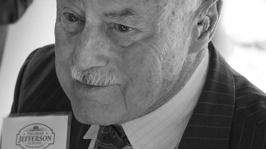Słynny milioner Charles Merrill zmarł w bloku w Nowym Sączu