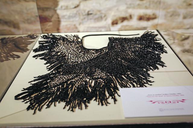Deo crnine koju je nosila kraljica Marija nakon što je kralj Aleksandar ubijen