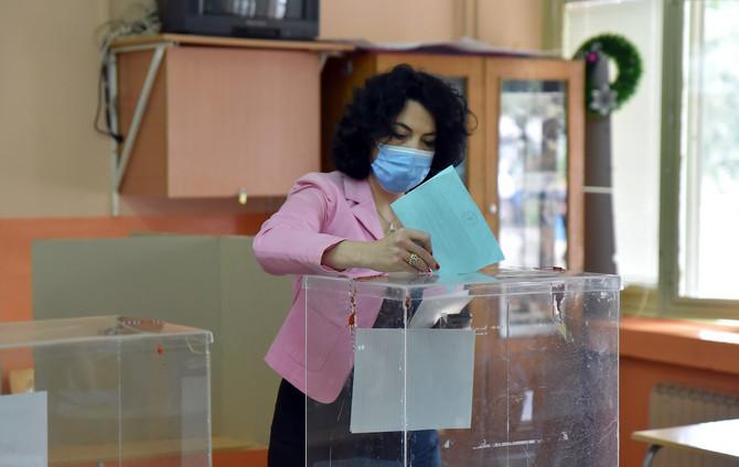 Dragana Sotirovski na biračkom mestu u Nišu