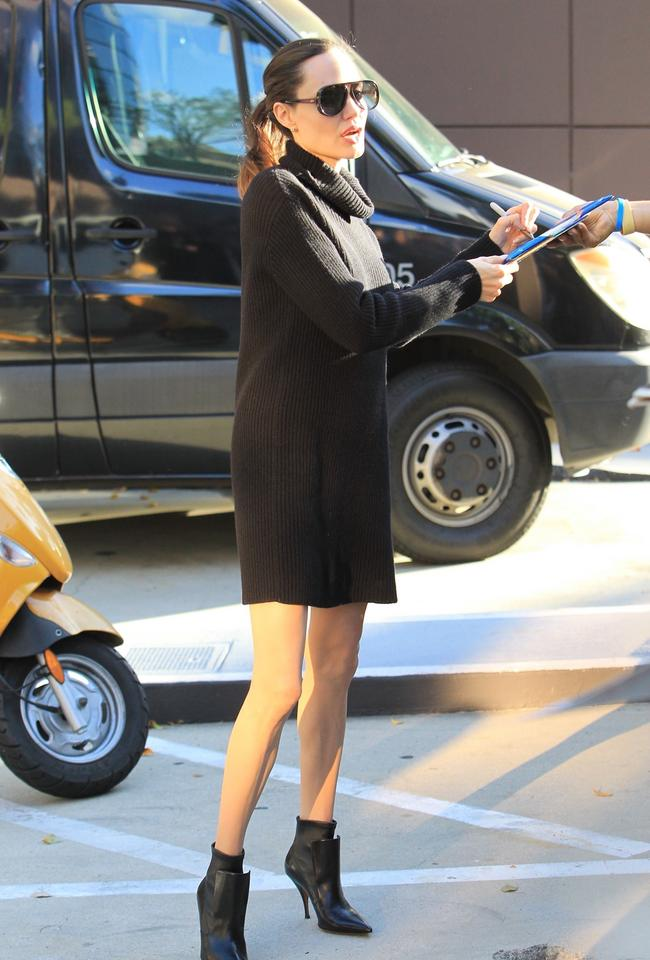 Angelina Jolie odsłoniła nogi