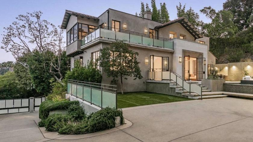 Rihanna sprzedaje jeden ze swoich domów w Los Angeles. Kupiec będzie musiał za niego zapłacić ponad 30 milionów złotych