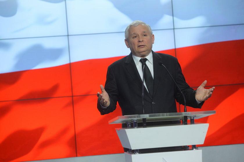 Kaczyński straszy, Sawicki oburzony