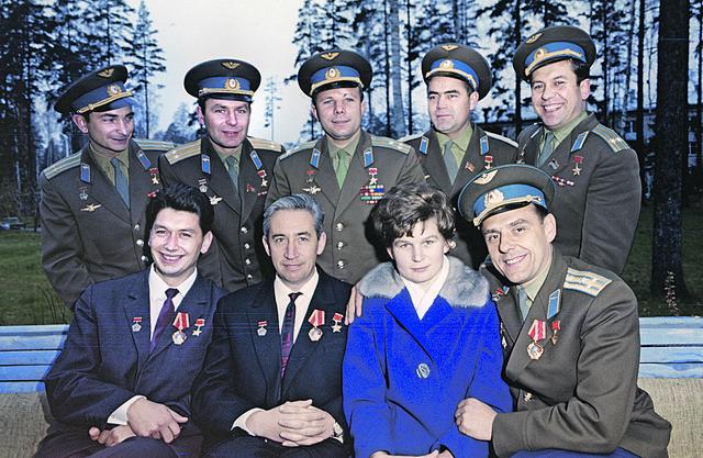 """Gagarin je postao""""kosmonaut-1"""",a Titov njegovdubler. Na start sukrenuli zajedno. Daje Gagarina iznenadaizdalo zdravlje umestonjega na """"Vostok"""" bi seukrcao Titov"""