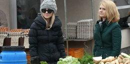 Kasia i Małgorzata Tusk. Modne nawet na targu