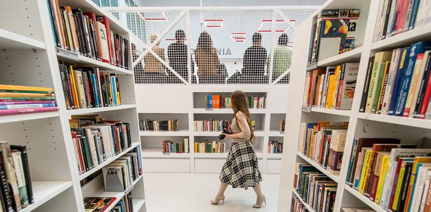 Biblioteka uratuje halęGrafit?