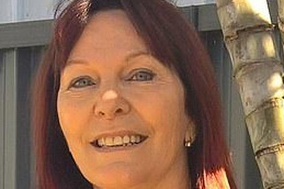 """Tara je sa 47 počela da radi kao POSLOVNA PRATNJA, danas ima 59 i sedmoro unučadi i kaže: """"Nekad me pošalju kao POKLON ZA 18. ROĐENDAN"""""""