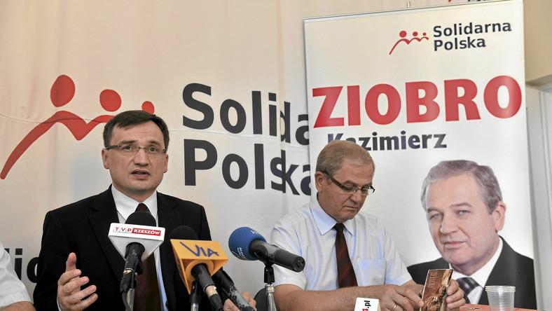 """Ziobro wyciąga rękę do Kaczyńskiego. """"Jarku, spotkajmy się"""