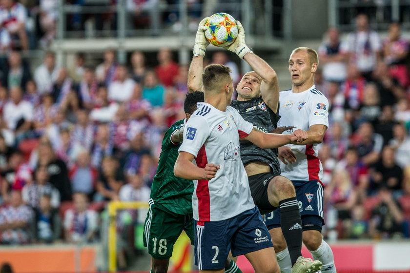 W obecnym sezonie więcej widzów chodzi tylko na mecze Lecha i Śląska Wrocław.