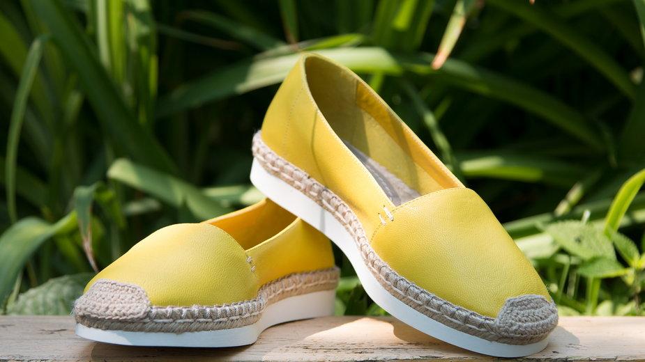 Espadryle – idealne buty na wiosenny spacer