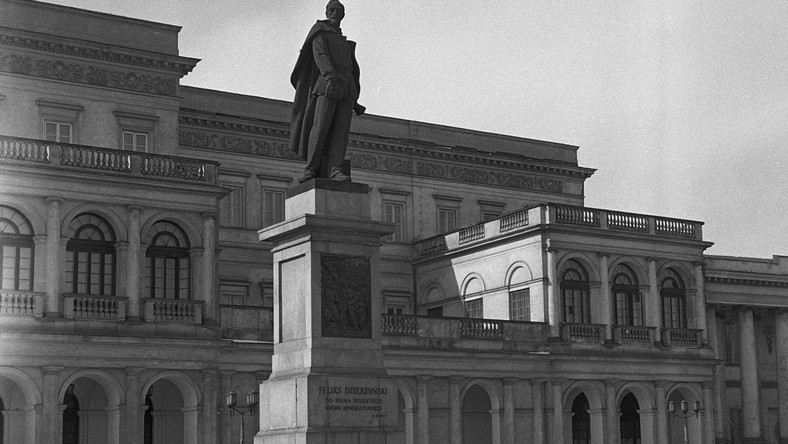 Pomnik Dzierżyńskiego w Warszawie