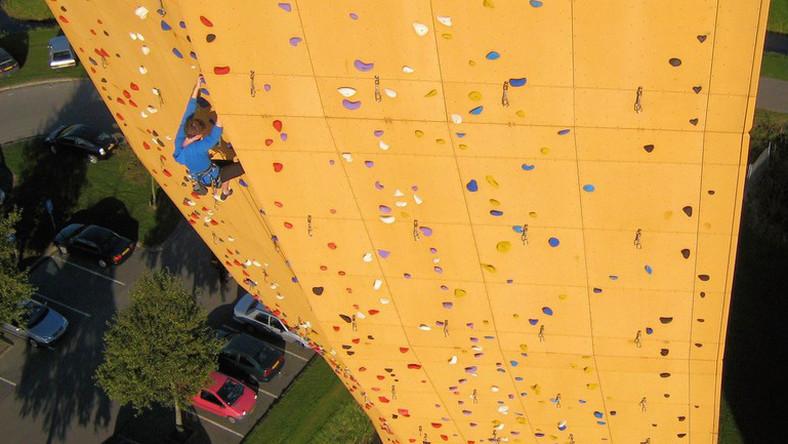 Excalibur W Groningen Najwyzsza Wolnostojaca Scianka Wspinaczkowa