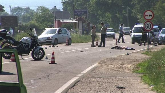 Tragedija: Policijski uviđaj na mestu sudara