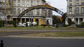 """W Warszawie akcje na rzecz odbudowy """"Tęczy"""" na placu Zbawiciela"""
