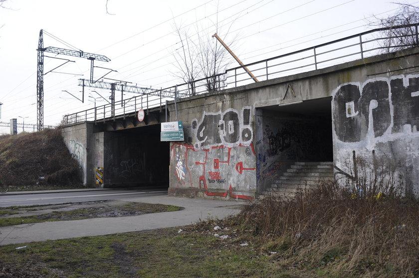 Wiadukt kolejowy nad ul. Starogroblową we Wrocławiu