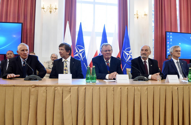 Profesor wyjaśnił, że przedmiotem badań podkomisji ds. wyjaśnienia przyczyn katastrofy w Smoleńsku nie jest raport Millera