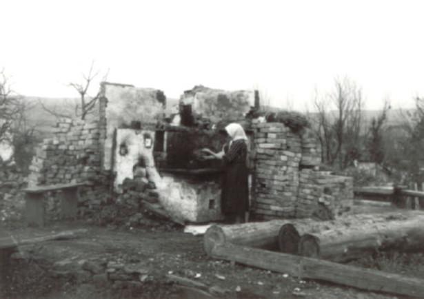 Miasto Bukowsko, spalone przez UPA w marcu, kwietniu i listopadzie 1946, zdjęcie z 1946
