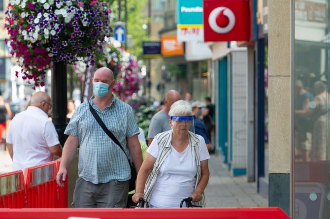 Psiholozi kažu da je tokom pandemije korona virusa nošenje maski stvar opšteg vaspitanja