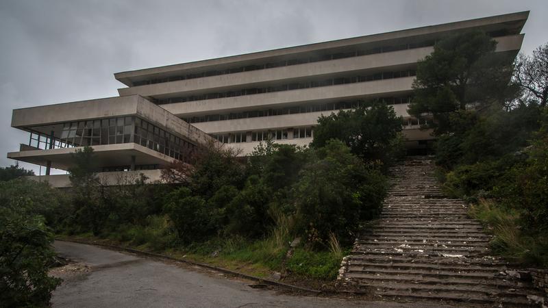 Chorwacja, Kupari, zatoka umarłych hoteli