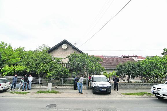 Komšije čule stravične krike u rano jutro: Kuća u kojoj se dogodilo trostruko ubistvo