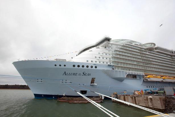 """Czasy """"Titanica"""", kiedy wakacje na morzu były domeną tylko najbogatszych, bezpowrotnie minęły."""
