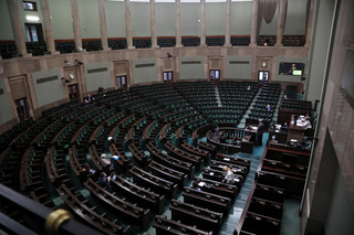 Sejm znowelizował tegoroczny budżet podnosząc deficyt do kwoty 109,3 mld zł