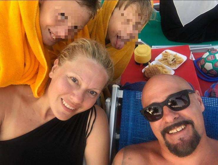 Dalibor Andonov Gru sa porodicom