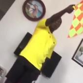 Ako vam ovo ne popravi raspoloženje... pa pogledajte ovog cara: On vežba i vežba, pa kad bude ODMAHAO OFSAJD... /VIDEO/