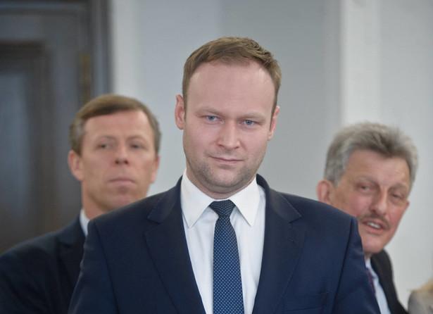 Marcin Mastalerek zapowiedział, że jeśli Bronisław Komorowski nie zgodzi się na dołączenie pytań postulowanych przez PiS to zostanie o to poproszony Andrzej Duda